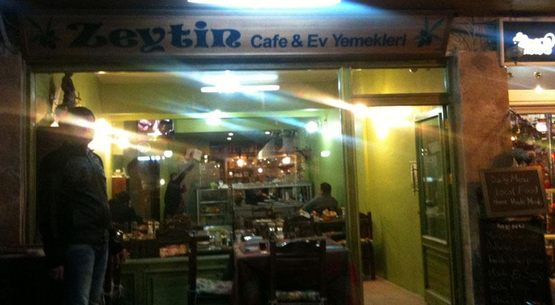 İzmir Zeytin Ev Yemekleri & Cafe