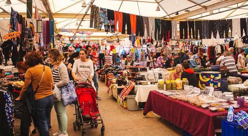 İzmir Bostanlı Pazarı