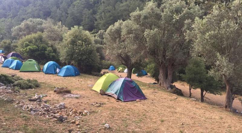 İzmir Kaynaklar Kaya Tırmanışı Bölgesi Kamp Alanı
