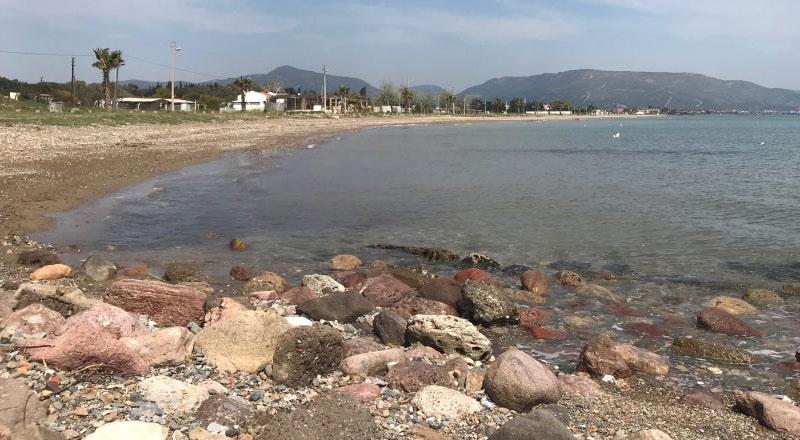 İzmir Sakızağacı Mevkii Muhtarlık Önü Halk Plajı