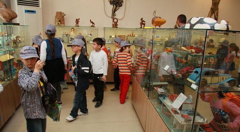İzmir Ümran Baradan Oyun ve Oyuncak Müzesi
