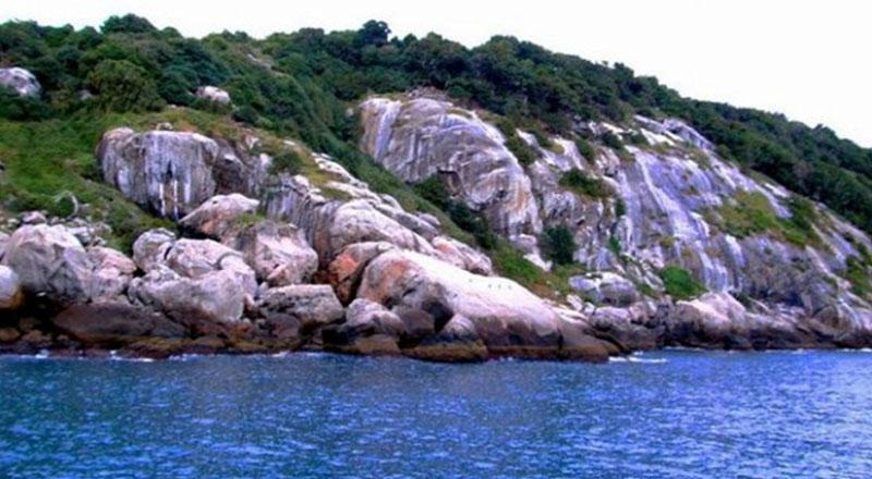 İzmir Yılan Adası